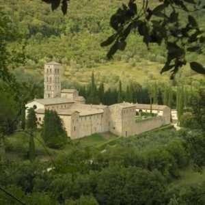Idea regalo Breve soggiorno in antica Abbazia – Terni a 180 €