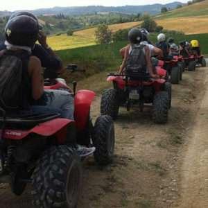 Idea regalo Escursione in quad al tramonto nel Monferrato a 100 €