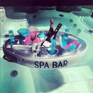 Idea regalo Bar Gonfiabile Per Spa e Piscine a 22 €