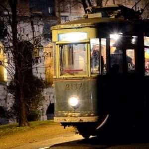 Idea regalo Cena itinerante con musica live su Tram – Roma a 60 €