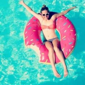 Idea regalo Ciambella Gonfiabile Gigante a forma di Donut a 22 €