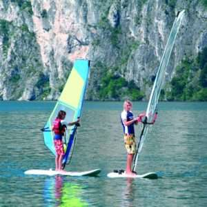 Idea regalo Lezione di windsurf per principianti – Lago di Garda