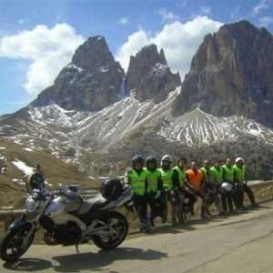 Idea regalo Corso di guida in moto di gruppo – Piemonte a 139 €