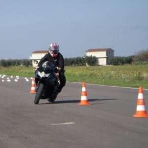 Idea regalo Corso di guida sicura per moto – Circuito S. Cecilia di Foggia