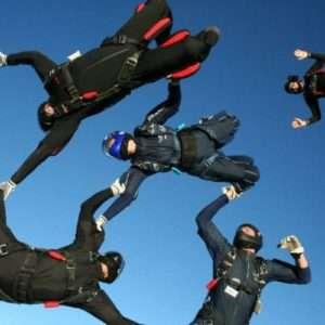 Idea regalo Corso AFF di paracadutismo – Liguria