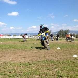 Idea regalo Corso base di moto fuoristrada – Circuito di S.Giusto, Foggia a 250 €