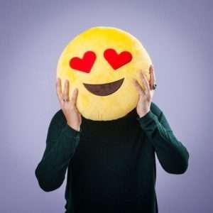 Idea regalo Cuscini Emoticon – Occhi Innamorati a 14 €