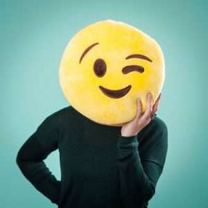 Idea regalo Cuscini Emoticon – Occhiolino a 14 €
