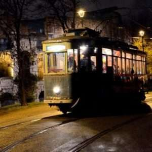 Idea regalo Cena su Tram con tavolo riservato – Roma