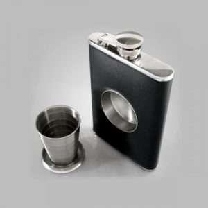 Idea regalo Fiaschetta con bicchierino integrato a 34 €