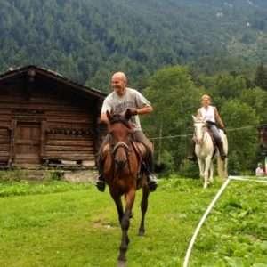 Idea regalo Escursione a cavallo per due persone – Piedimulera