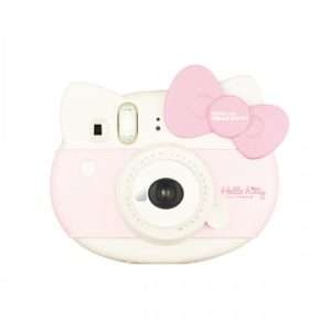 Idea regalo Fuji Instax Mini Hello Kitty – macchina fotografica istantanea a 99 €