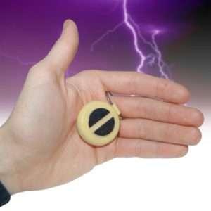 Idea regalo Gadget per la stretta di mano con scossa
