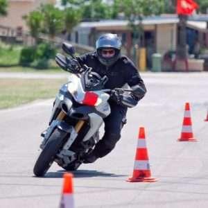Idea regalo Corso avanzato di guida per moto – Circuito S. Cecilia di Foggia