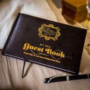 Idea regalo Il Libro degli ospiti da letto a 12 €