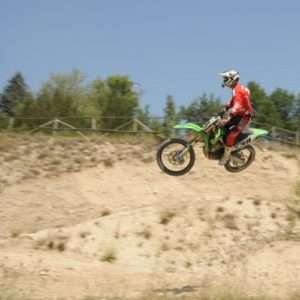 Idea regalo Corso iniziazione alla Motocross o Enduro – Macerata