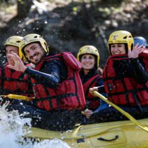 Idea regalo Discesa classica di rafting per due in Valle d`Aosta a 80 €