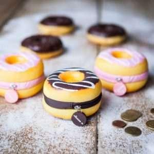 Idea regalo Portamonete Donut Profumati – Fragola a 9 €
