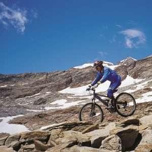 Idea regalo Escursioni in Mountain Bike per 5 giorni  Valsesia a 250 €