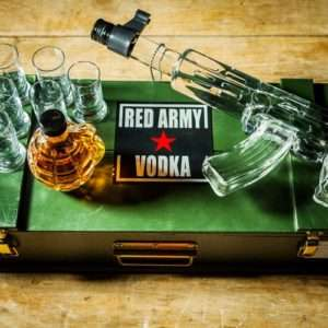 Idea regalo Vodka Red Army Kalashnikov e granate con liquore alle erbe