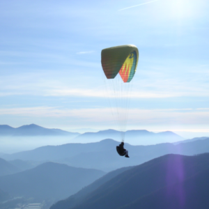 Idea regalo Volo in parapendio – Toscana a 122 €
