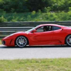 Idea regalo Al Volante di una Ferrari F430 sul Circuito di Precenicco