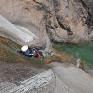Idea regalo Avventura in Canyoning alla Forra del Casco – Umbria