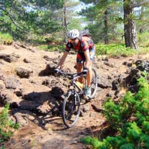 Idea regalo Esplora lEtna in mountain bike, tour intermedio – Catania, Sicilia