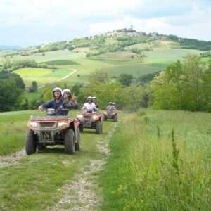 Idea regalo Guida un quad per unora tra le colline del Monferrato
