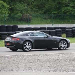 Idea regalo Guida una Aston Martin da 99 ¤ – Il Sagittario, Latina