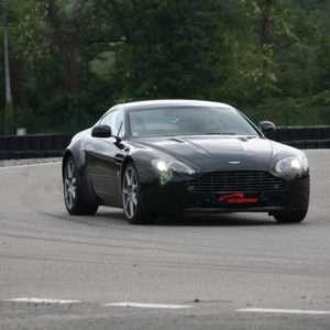 Idea regalo Guida una Aston Martin da 99 ¤ – Lombardore (TO)