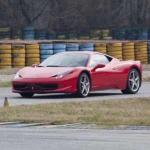 Idea regalo Guida una Ferrari F458 Italia da 99 ¤ – Il Sagittario, Latina
