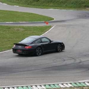 Idea regalo Guida una Porsche 997 BiTurbo da 99 ¤ – Il Sagittario, Latina