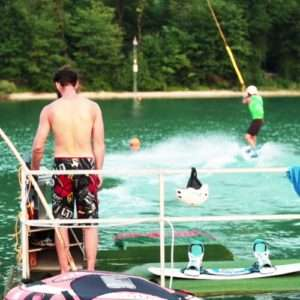 Idea regalo Lemozione del wakeboard a Farra dAlpago – Belluno