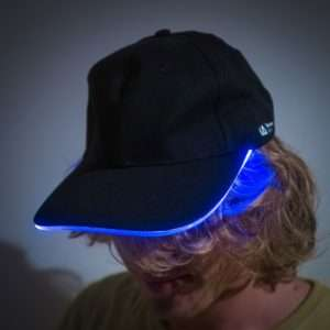 Idea regalo Cappello con Visiera Luminosa LED