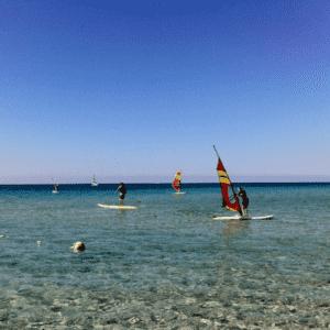 Idea regalo Lezione di Windsurf con istruttore certificato – Torre Mozza, Salento