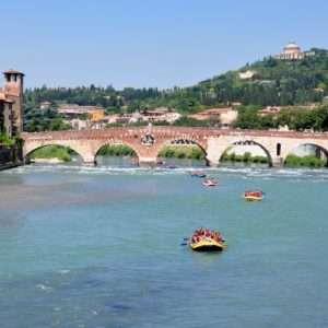 Idea regalo Rafting tour in centro storico – Verona