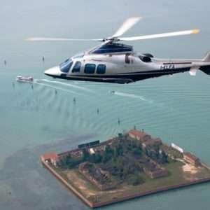 Idea regalo Scopri il fascino della Lombardia, volo in elicottero – Milano