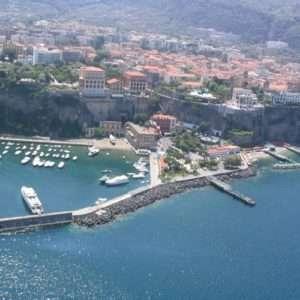 Idea regalo Sorvola la costiera amalfitana, volo in elicottero – Napoli